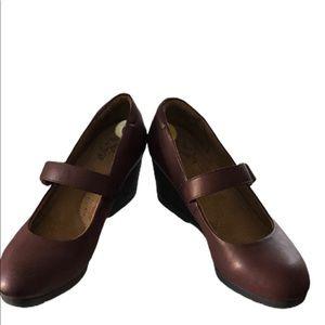 Natural Soul Maritza Maroon Shoes Size9